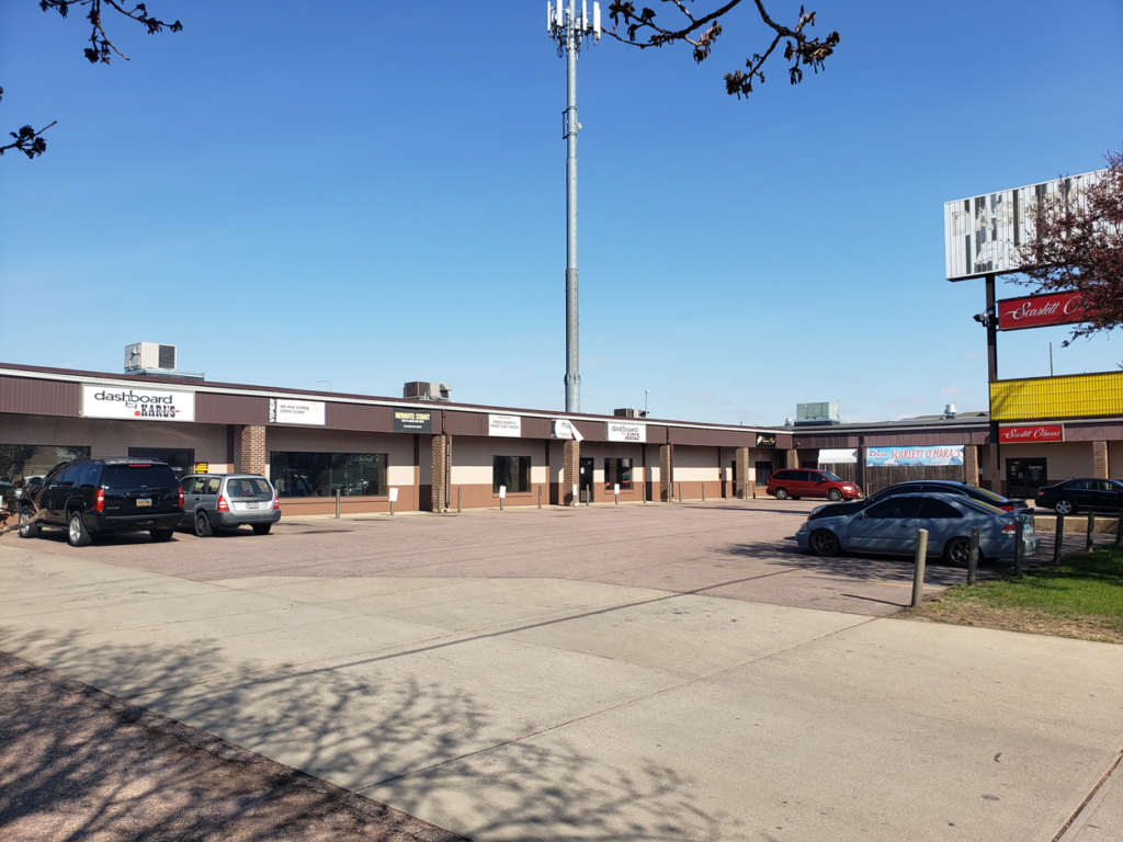 Carolyn Avenue I-29 Plaza